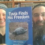 Rabbi Eliyahu and Shoshanah Shear with their book Tuvia Finds His Freedom